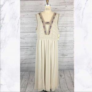 Reba Woman sleeveless embroidered maxi dress